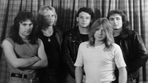 IRON MAIDEN, c. junio 1979. De izq a der: Steve Harris, Doug Sampson, Paul Di'Anno, Paul Todd y Dave Murray. Imagen tomada de «Iron Maiden: The Early Years DVD».